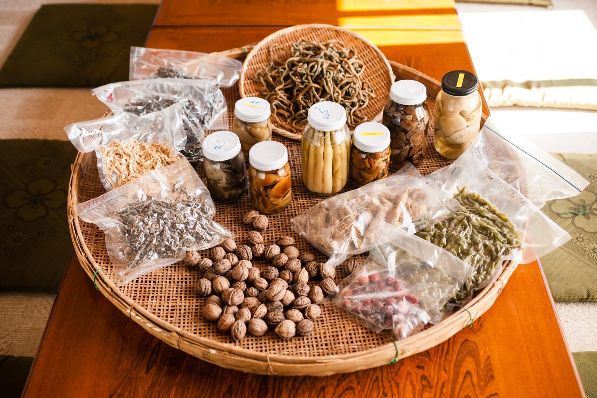 村山さん宅の多種多様な保存食