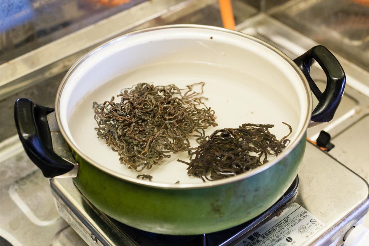 山菜の乾燥品のあく抜き