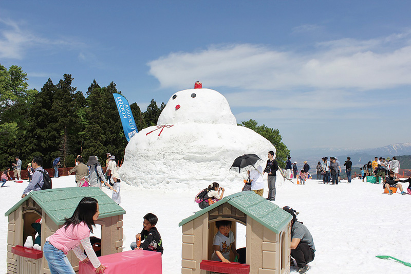 湯沢高原「春の雪まつり」