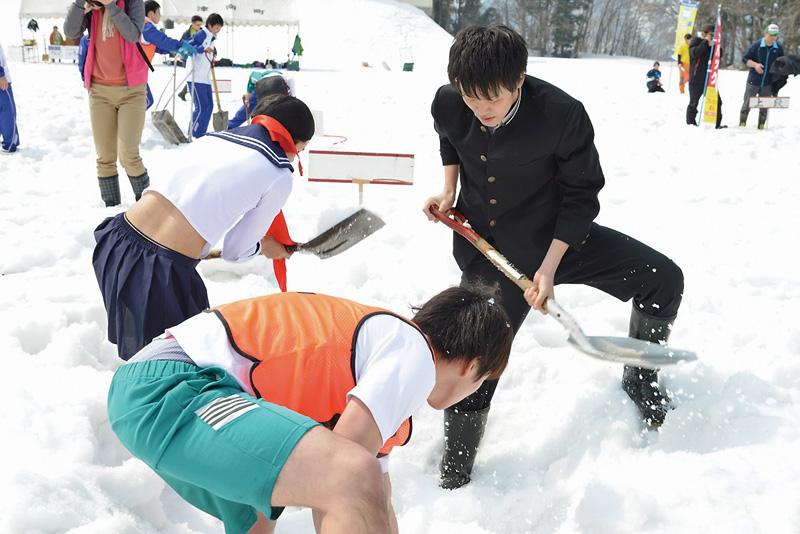 Tap豪雪地面出し競争